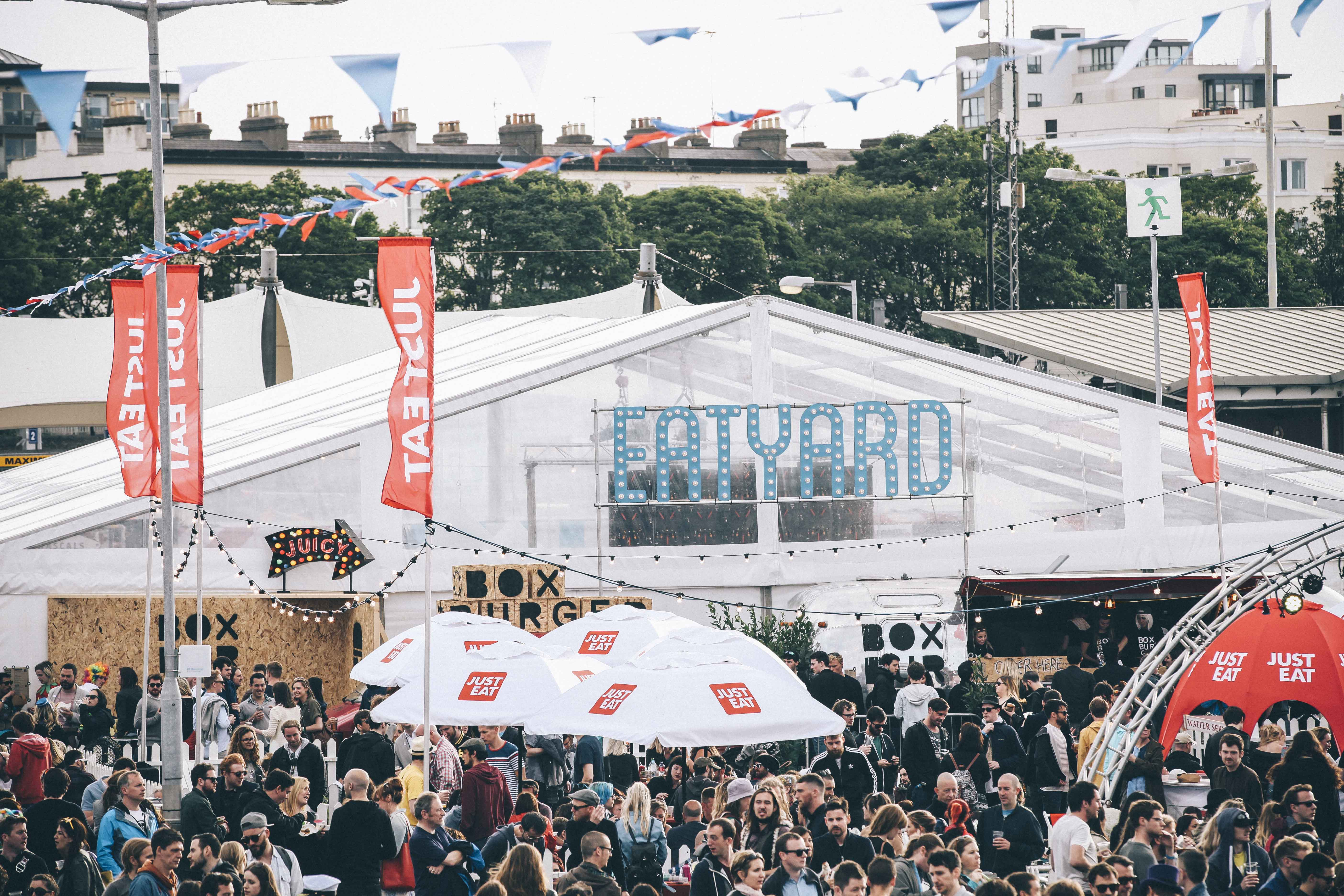 Eatyard crowd